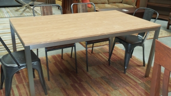 Zevon Dining Table