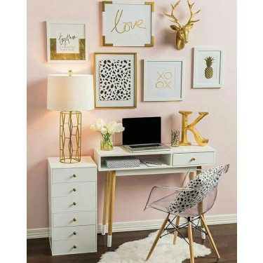 Dress up desk