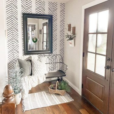 Entrway Accent Pieces